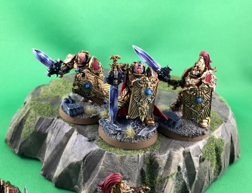Custodes Shield Close